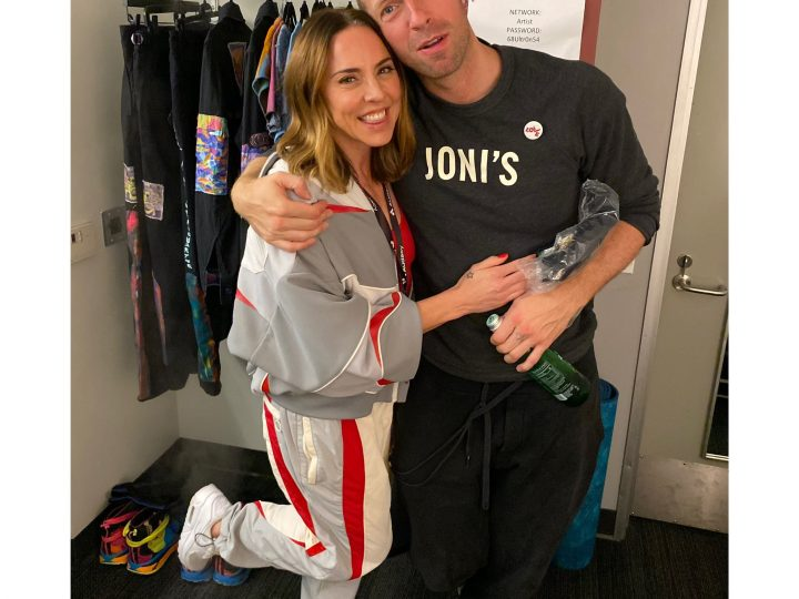 Mel C joins Coldplay on stage for a rendition of 2 Become 1